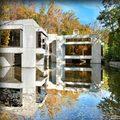 Nhà đẹp - Cơ ngơi 30 triệu USD xây giữa hồ nước