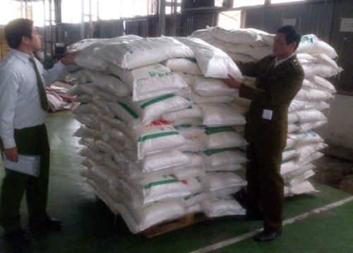 Bắt giữ 7 tấn bột ngọt Trung Quốc nhập lậu-1