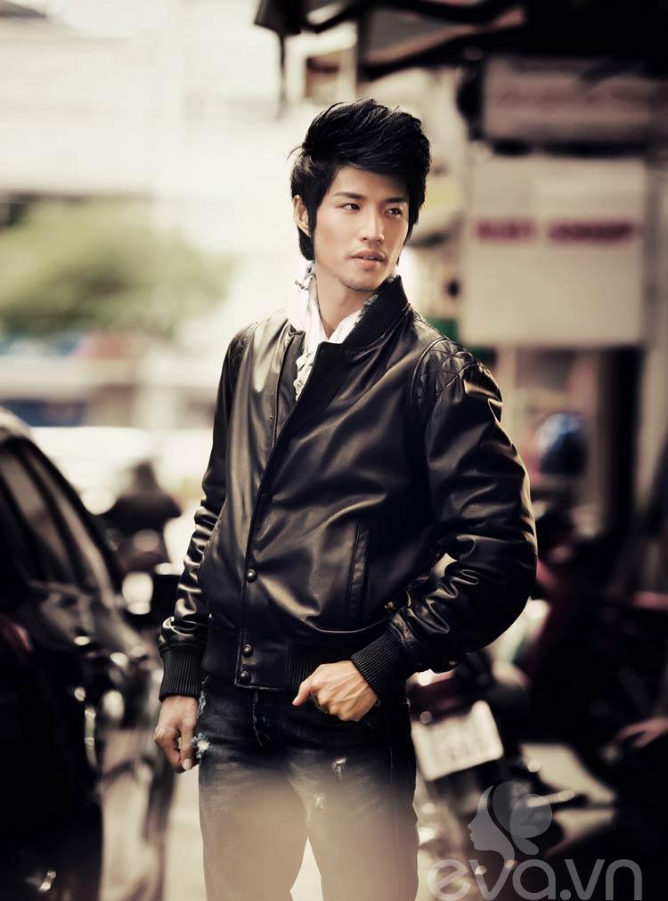 Bắt đầu xuất hiện với vai trò 'Người tình MV' của ca sĩ Thủy Tiên, cái tên Hồ Vĩnh Anh đã được đặc biệt chú ý bởi gương mặt hao hao giống diễn viên Kim Thành Vũ của Đài Loan.