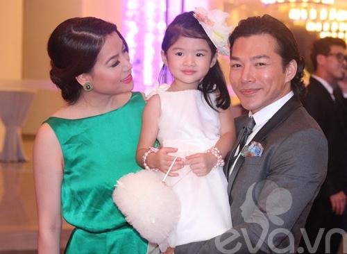 Bảo Sơn - Ngọc Ánh hạnh phúc bên con gái-2
