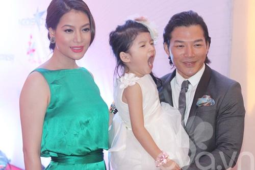 Bảo Sơn - Ngọc Ánh hạnh phúc bên con gái-3