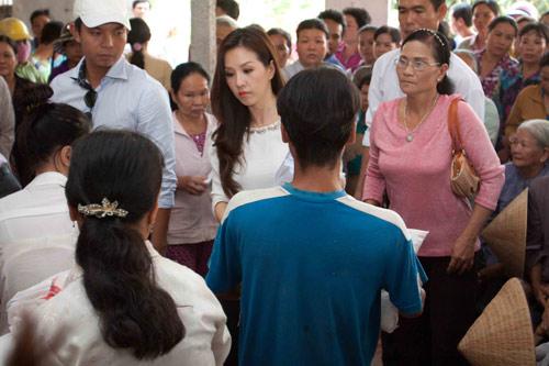 """hh thu hoai lay tu thien """"dap"""" scandal - 3"""