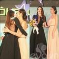 Làng sao - Hà Tăng trao giải mỹ nhân của năm cho Hà Hồ