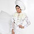 Thời trang - Ngọc Hân tươi mới diện áo dài trắng