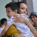 Làng sao - Thúy Hạnh cùng chồng làm từ thiện tại Quảng Bình
