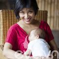 """Làng sao - MC Thùy Minh: """"Tôi từng khóc khi mang thai"""""""