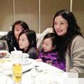 Làng sao - Triệu Vy thích khoe ảnh con gái