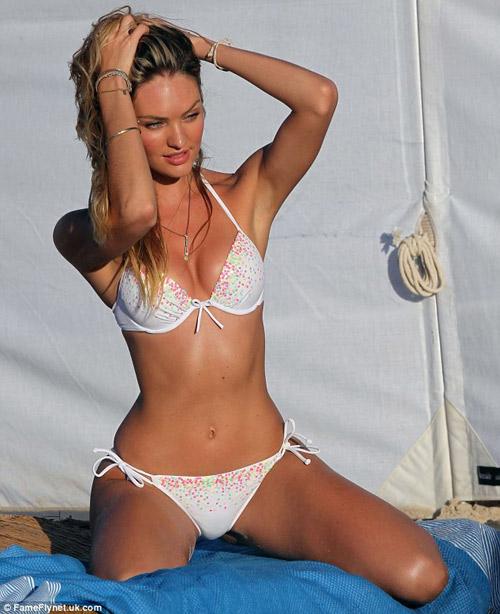 ngam 'kiet tac bikini' khoe dang tren bien - 16