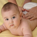 Làm mẹ - Video: Massage chữa đau bụng cho bé