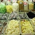 Mua sắm - Giá cả - Bánh mứt Tết: Hàng dỏm ngập chợ