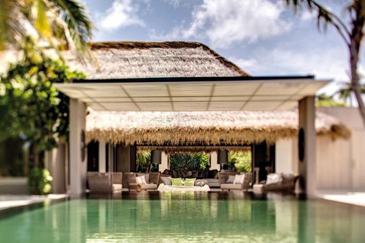 Nhà tôi nghèo lắm, nhưng tôi có sở thích về nhà cửa, thích những ngôi nhà đẹp thật đẹp. Những ngôi nhà mang phong cách miền nhiệt đới là quyến rũ tôi nhất.