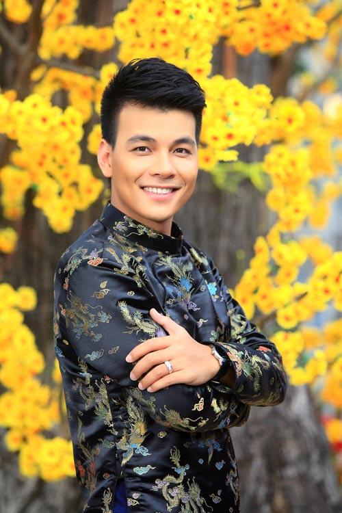 phuong vy dao pho tet cung 'my nam' - 11