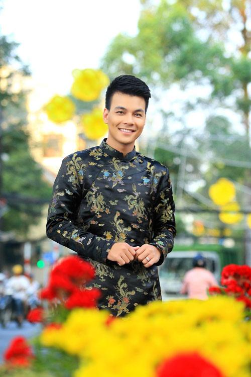 phuong vy dao pho tet cung 'my nam' - 13