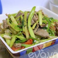 Ngon cơm với rau cần xào thịt bò