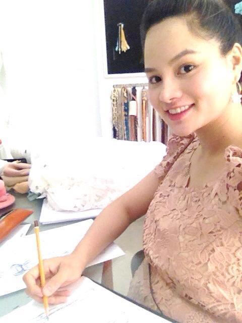 vu thu phuong co bau van cham chi lam viec - 8