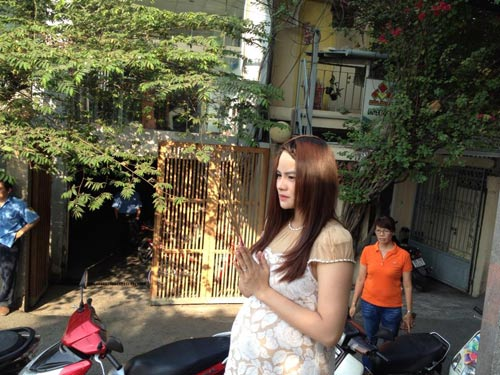 vu thu phuong co bau van cham chi lam viec - 3