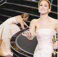 """Làng sao - Nữ diễn viên xuất sắc """"vồ ếch"""" khi nhận giải"""