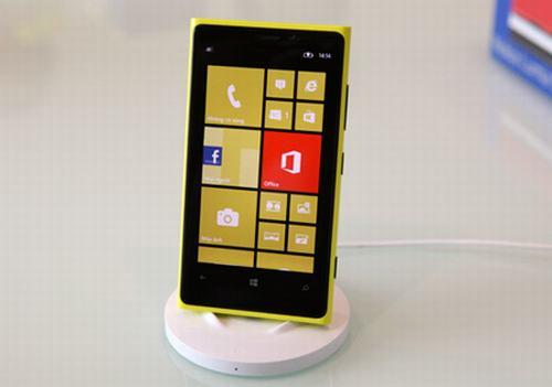 5 smartphone dang chu y trong thang - 2
