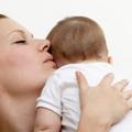 Làm mẹ - Video: Cách vỗ ợ hơi chuẩn cho bé