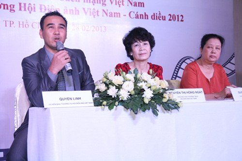 khan gia khong hai long ve canh dieu vang 2012 - 3