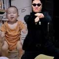 Nuôi con - Hài hước: Bé mơ ngủ nhảy Gangnam Style