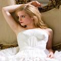 Xem & Đọc - Emma Watson: Người đẹp bước ra từ cổ tích