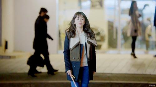 'thieu nu mu' song hye kyo cuon hut voi ao choang dat tien - 6