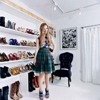 Eva Icon: Soi tủ giày hàng tỷ đồng của tín đồ 9X