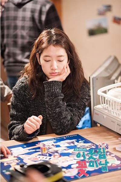 Diện đồ len chất như Park Shin Hye trong 'Mỹ nam nhà bên' - 13