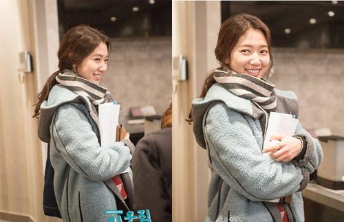 Diện đồ len chất như Park Shin Hye trong 'Mỹ nam nhà bên' - 17