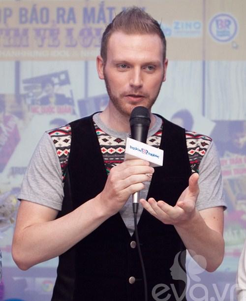 kyo york banh bao den ung ho thanh hung idol - 2