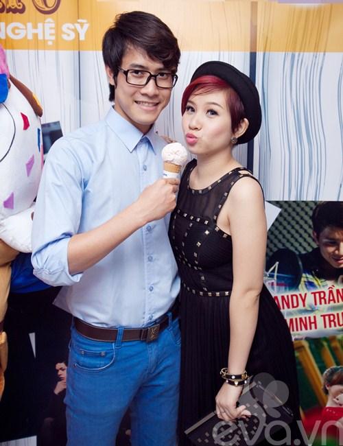 kyo york banh bao den ung ho thanh hung idol - 7