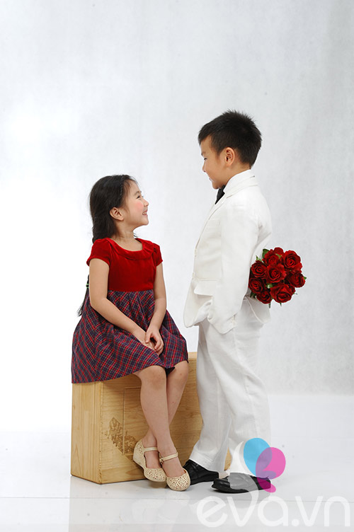 con trai a hau thu huong tang hoa ban gai - 1