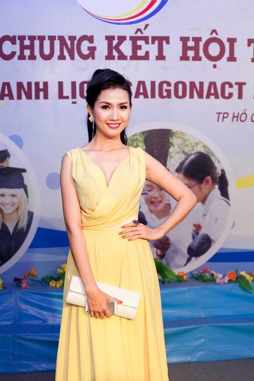 phan thi mo dat show lam giam khao sac dep - 1