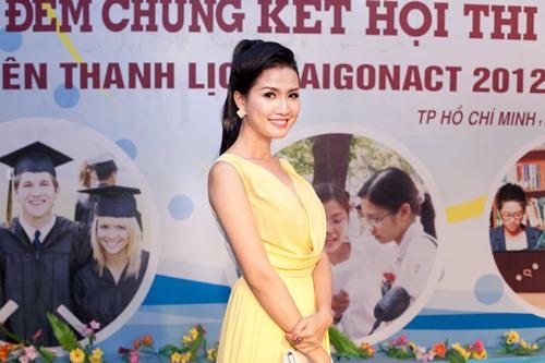 phan thi mo dat show lam giam khao sac dep - 2