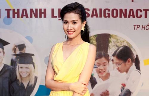 phan thi mo dat show lam giam khao sac dep - 4