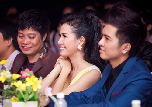 phan thi mo dat show lam giam khao sac dep - 6