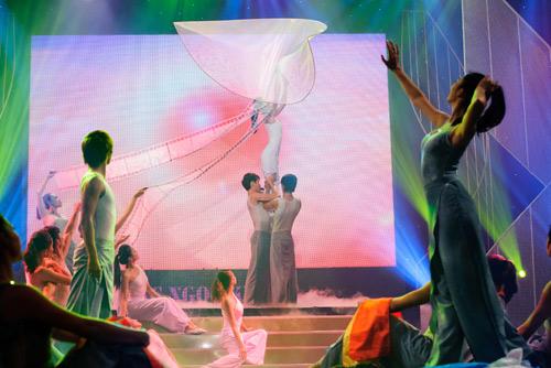 """canh dieu 2012: maya tu """"be cup"""" len nhan giai - 8"""