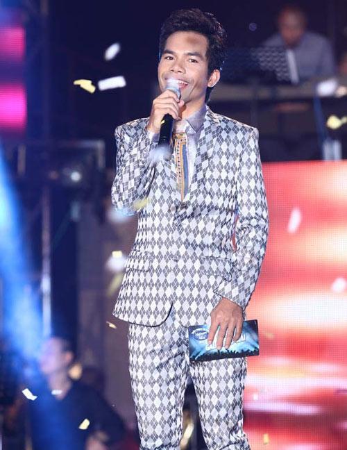 hau vn idol 2012: dau la quyen luc cua khan gia? - 1