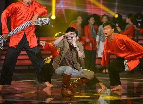 """""""goc khuat"""" phia sau phuong uyen - 1"""