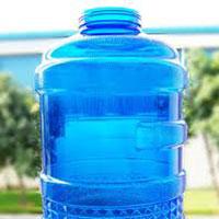 Nước uống đóng bình: Không nên lạm dụng