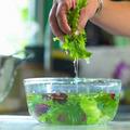 Bếp Eva - Mẹo rửa rau thật sạch và an toàn