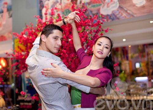 Maya ăn mừng chiến thắng bên vũ công mới-5