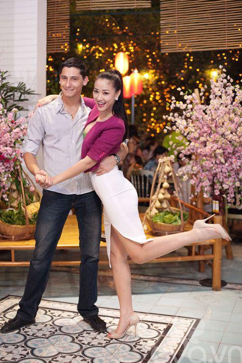 Maya ăn mừng chiến thắng bên vũ công mới-8