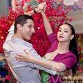 Làng sao - Maya ăn mừng chiến thắng bên vũ công mới