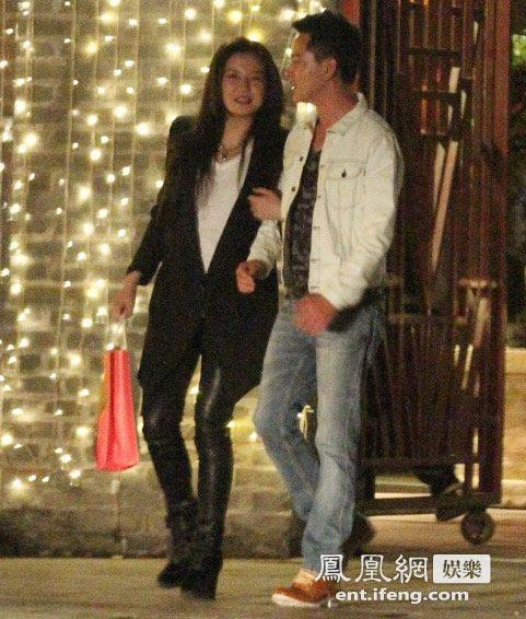 Paparazzi cảnh Triệu Vy đi sinh nhật cùng bạn bè-8