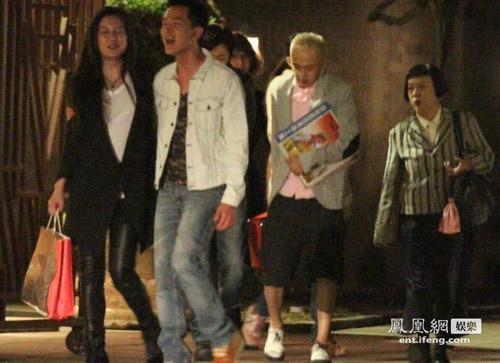 Paparazzi cảnh Triệu Vy đi sinh nhật cùng bạn bè-7