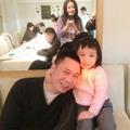Làng sao - Hai bố con Huỳnh Tân mừng sinh nhật Triệu Vy
