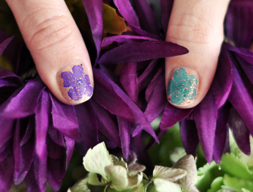 2 mẫu nail hoa rực rỡ đón cuối tuần-6