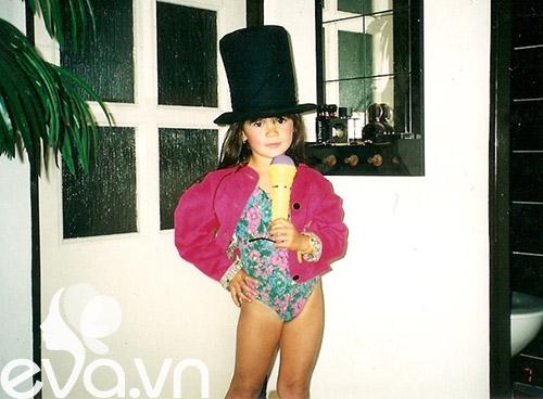 Tuổi thơ của ứng viên Hoa hậu Séc gốc Việt-8